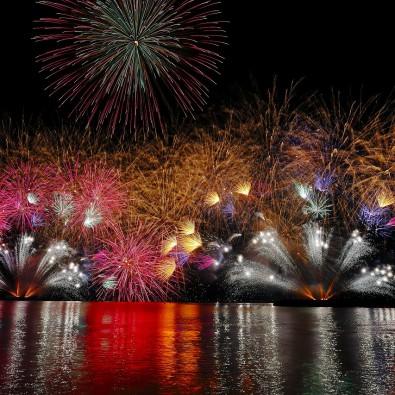 日本海側最大級13000発~第68回敦賀とうろう流しと大花火大会メインイメージ