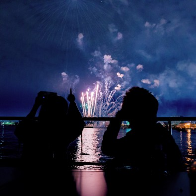 クリスマスクルーズ ~名古屋港で花火を眺める~メインイメージ