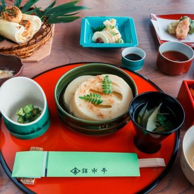 日本一のたけのこ料亭「錦水亭」で堪能する朝堀りたけのこ懐石メインイメージ