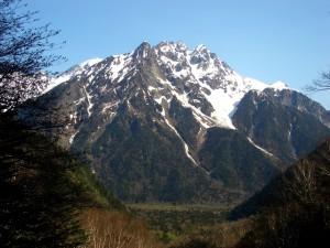 徳本峠付近からの明神・前穂高岳方面