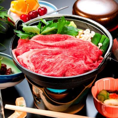 松阪の古い町並みガイド付き散策と、老舗料亭で味わうA5ランク松阪牛の牛鍋メインイメージ