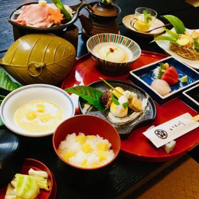秋限定!老舗料理旅館で食べる栗会席と、歴史の町 岩村散策メインイメージ
