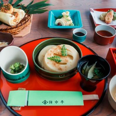 日本一の筍料亭「錦水亭」朝掘りたけのこ懐石と長岡天満宮のキリシマツツジメインイメージ