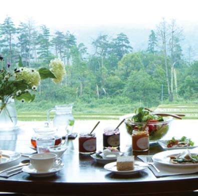 丘の上の隠れ家レストラン「ブルーベリーフィールズ紀伊国屋」大自然で味わう大人の贅沢フレンチコースメインイメージ