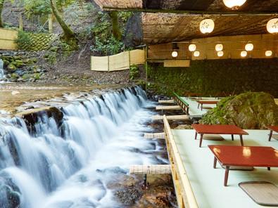 夏の風物詩 京の奥座敷・貴船「納涼床」でいただく季節の会席料理メインイメージ