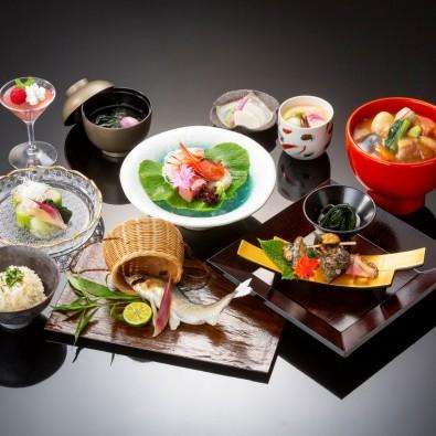 食べられるのはこの日だけ!なごやんツアーだけ!日本料理『加賀屋』の特別お祝い会席メインイメージ