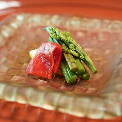 京都の奥山『野草一味庵 美山荘』で堪能する摘草料理メインイメージ