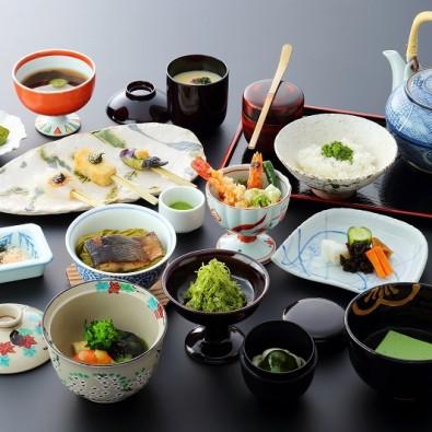 16名様限定!夏の京都宇治川の畔で「抹茶料理」と世界遺産「平等院」&花手水と押し花朱印で有名な「楊谷寺」メインイメージ