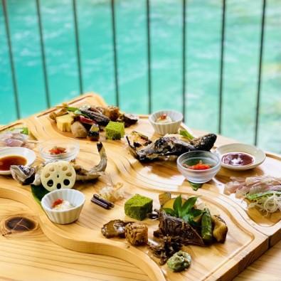 並ばず食べれる!!予約が取れない秘境の人気店「岩魚の里はざま」 付知峡で新鮮で美味しい岩魚料理を食べよう!!メインイメージ